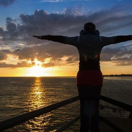 Meditacion navegando en el mar