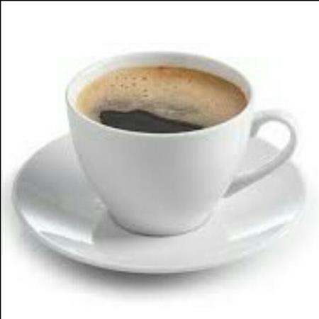 Un café (25-35 años)